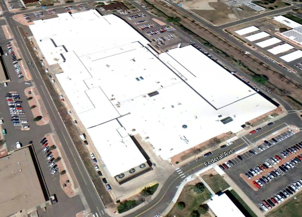 Denver warehouse now sporting a Super Therm roof